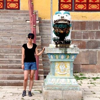 vor dem Gandan-Kloster