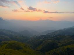 Sonnenaufgang über den Reisterrassen