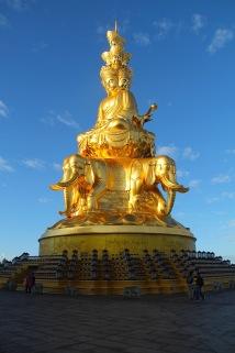 Statue auf dem Gipfel