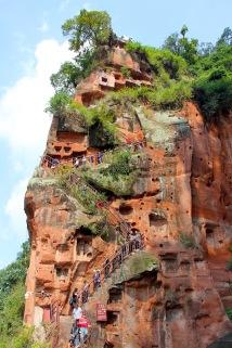 Treppe nach unten zu den Füssen des Giant Buddha