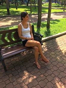 wir geniessen im Park das schöne Wetter