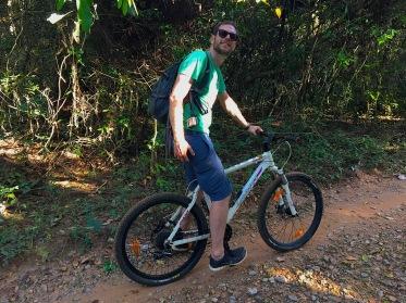 Biketour durch die Tempelanlage