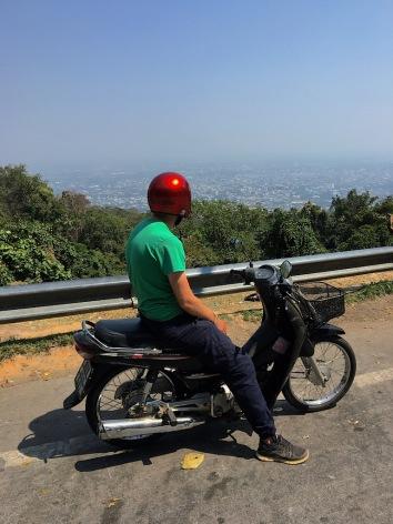 mit dem Roller unterwegs..hoch über Chiang Mai