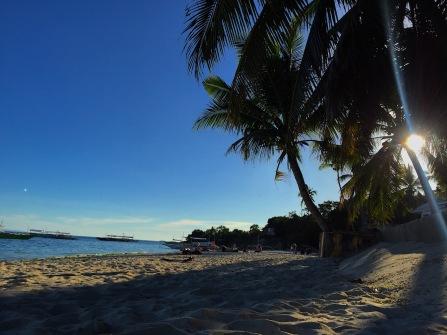 Ein seltener einsamer Abschnitt am Alona Beach