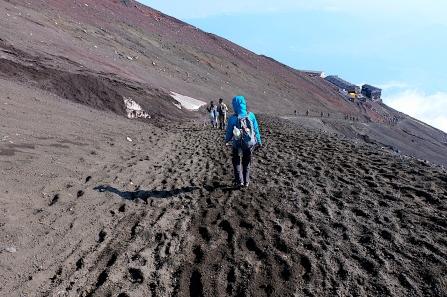 Steiler, mühseliger Abstieg
