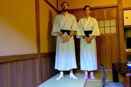 Yukata mit pink-gelben Socken