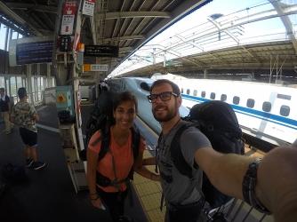 Fotosession während wir auf unseren Zug warten