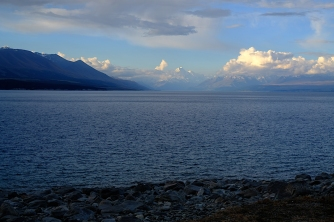 Lake Pukaki mit Blick auf das Gletschergebirge