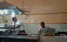 Tortillas werden frisch zubereitet