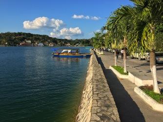 Uferpromenade in Flores